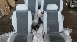 Комплект сидений Toyota Hiace Regius привозной с японии за 90 000 тг. в Алматы