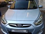 Hyundai Solaris 2011 года за 3 700 000 тг. в Шымкент – фото 2