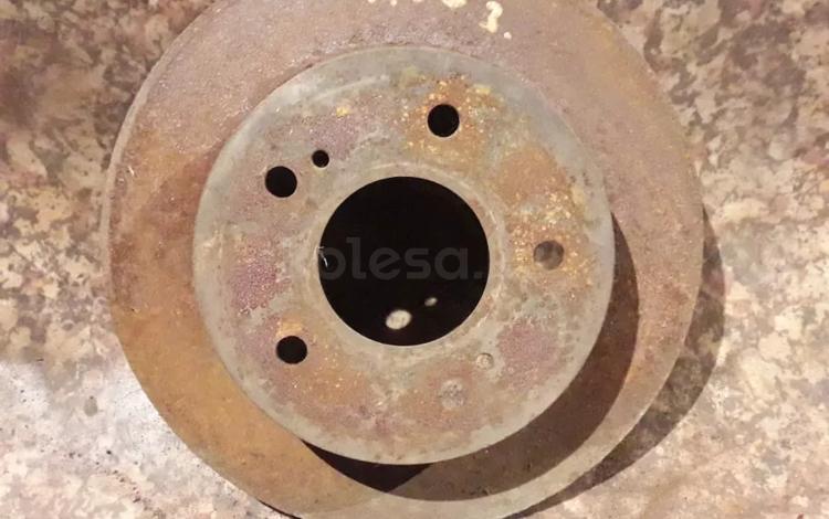 Диск тормозной задний на Nissan Cefiro (Maxima) a33, v2.0, VQ20… за 5 500 тг. в Караганда