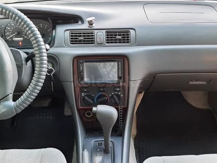 Toyota Camry 2000 года за 2 800 000 тг. в Тараз – фото 10