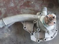 Помпа мерседес двигатель 102 за 5 000 тг. в Тараз