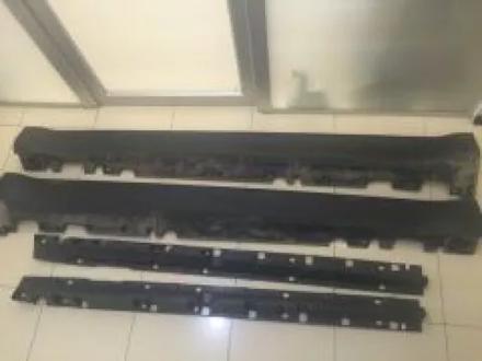 BMW Х6 Пороги оригинал, черные за 45 000 тг. в Караганда