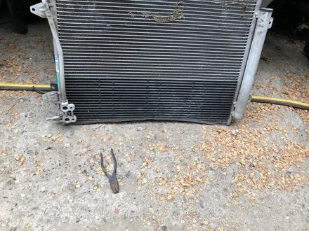 Радиатор кондиционера за 99 999 тг. в Алматы