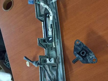 Накладка двери багажника TOYOTA Highlander за 40 000 тг. в Алматы – фото 3