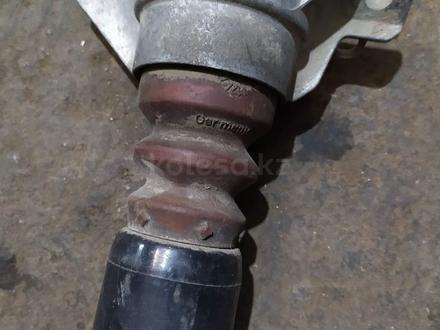 Амортизатор задний газовый на Audi a4 за 35 000 тг. в Алматы – фото 4
