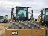 Caterpillar  Каток вибрационный САТ CS 64 В 2015 года за 28 800 000 тг. в Атырау