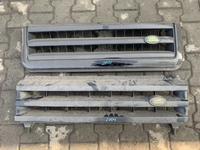 Решетка радиатора дискавери 2 Discavery 2 за 40 000 тг. в Алматы