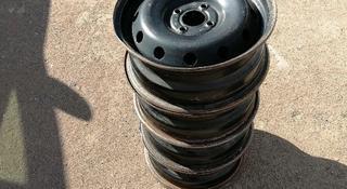 Штампованные диски вместе колпаком за 27 000 тг. в Нур-Султан (Астана)