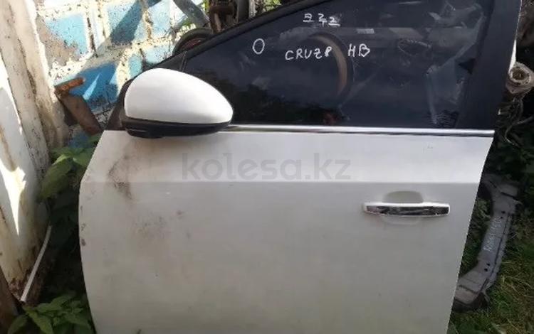 Двери на Chevrolet Cruze за 450 тг. в Шымкент