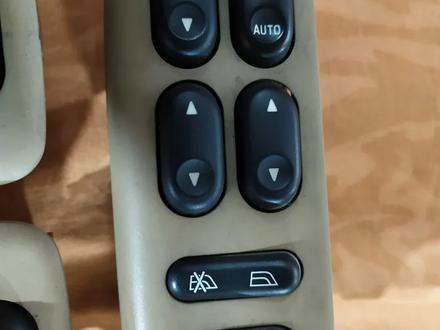Кнопки управления стеклоподъёмниками пассажирские на Мазда Трибют за 3 000 тг. в Алматы