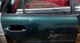 Дверь задняя правая на Mitsubishi Galant за 5 000 тг. в Караганда