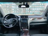 Toyota Camry 2015 года за 9 800 000 тг. в Актау – фото 4