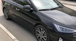 Hyundai Elantra 2019 года за 9 500 000 тг. в Алматы – фото 2