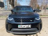 Land Rover Discovery 2019 года за 34 000 000 тг. в Алматы – фото 2