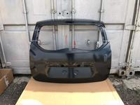 Крышка багажника Renault Duster за 888 тг. в Усть-Каменогорск
