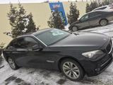 BMW 740 2009 года за 7 500 000 тг. в Алматы – фото 2