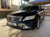 Toyota Camry 2013 года за 8 900 000 тг. в Шымкент – фото 2