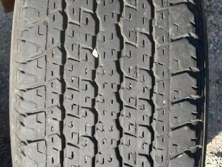 Комплект шин 265/65/17 Bridgestone за 45 000 тг. в Алматы