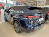 Toyota Highlander Luxe 2021 года за 33 370 000 тг. в Костанай – фото 3