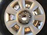Шины с дисками на БМВ BMW размер 205/65/15, фирма Normad nokian 5 за 130 000 тг. в Актобе – фото 4