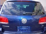 Дверь багажника Volkswagen Touareg за 777 тг. в Усть-Каменогорск