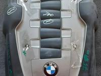 Декоративная крышка ДВС на BMW 740 e65 за 1 111 тг. в Алматы