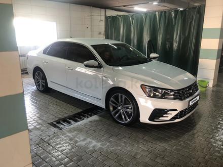 Volkswagen Passat 2017 года за 6 900 000 тг. в Алматы