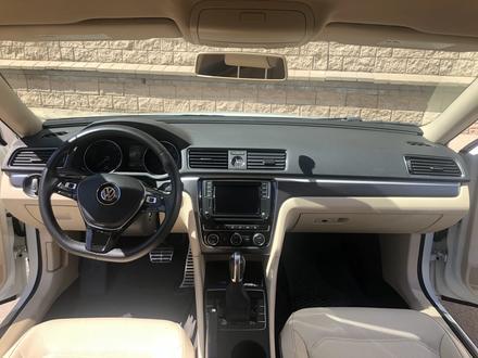 Volkswagen Passat 2017 года за 6 900 000 тг. в Алматы – фото 10