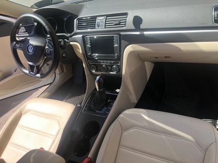 Volkswagen Passat 2017 года за 6 900 000 тг. в Алматы – фото 12