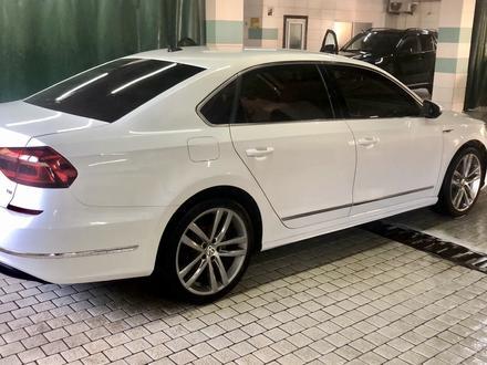 Volkswagen Passat 2017 года за 6 900 000 тг. в Алматы – фото 3