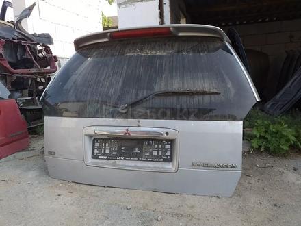 Крышка багажника митсубиси спейс рунер 2001г за 444 тг. в Костанай – фото 2