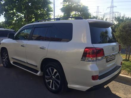 Toyota Land Cruiser 2018 года за 28 000 000 тг. в Алматы – фото 3