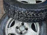 Комплект дисков с резиной за 40 000 тг. в Усть-Каменогорск – фото 4