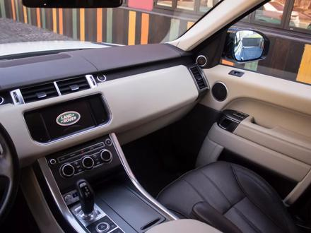 Land Rover Range Rover Sport 2014 года за 17 900 000 тг. в Алматы – фото 9