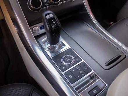 Land Rover Range Rover Sport 2014 года за 17 900 000 тг. в Алматы – фото 20