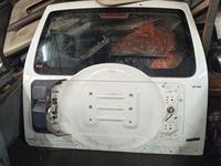 5-я дверь, крышка багажника mitsubishi pajero 4 за 50 000 тг. в Алматы