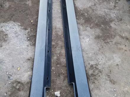 Стойка с порогом металический и пластиковый 212 за 202 тг. в Нур-Султан (Астана) – фото 2