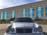 Mercedes-Benz E 200 1998 года за 2 950 000 тг. в Костанай