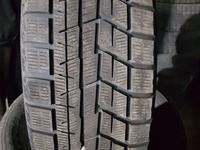 Зимнюю бу шину из Японии в хорошем состоянии. Размер 215/65/15. за 30 000 тг. в Алматы