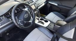 Toyota Camry 2014 года за 7 800 000 тг. в Актобе – фото 3