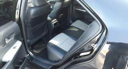 Toyota Camry 2014 года за 7 800 000 тг. в Актобе – фото 4