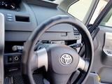 Toyota Voxy 2010 года за 4 700 000 тг. в Семей – фото 2
