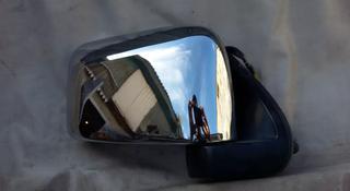 Зеркало боковое правое на Nissan Mistral 1997 г. В, б… за 25 000 тг. в Караганда