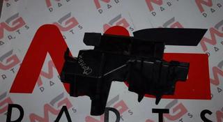 Дефлектор Радиатора RH Toyota LAND Cruiser за 111 тг. в Алматы