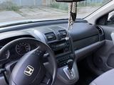 Honda CR-V 2007 года за 6 200 000 тг. в Уральск – фото 5