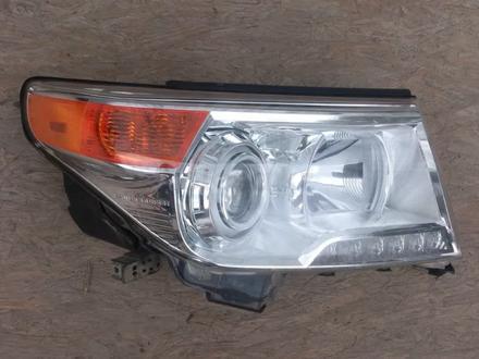 Правая фара Toyota Land Cruiser 200 за 143 500 тг. в Алматы