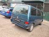 Volkswagen Multivan 1993 года за 2 500 000 тг. в Алматы – фото 5