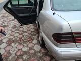 Mercedes-Benz E 320 1999 года за 4 250 000 тг. в Шымкент – фото 4