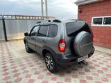 Chevrolet Niva 2013 года за 2 000 000 тг. в Атырау – фото 3