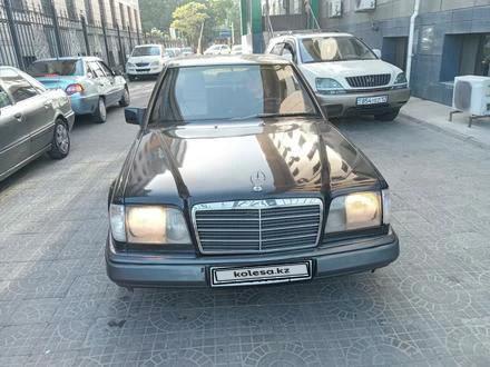 Mercedes-Benz E 220 1994 года за 2 200 000 тг. в Шымкент – фото 4